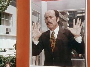 López Vázquez in La cabina